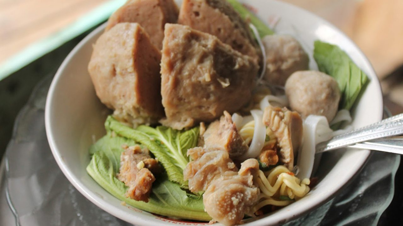 10 Best Places To Eat Bakso Meatballs In Bandung What S New Bandung