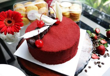 Let Them Eat Cake at The Deli, Crowne Plaza Bandung