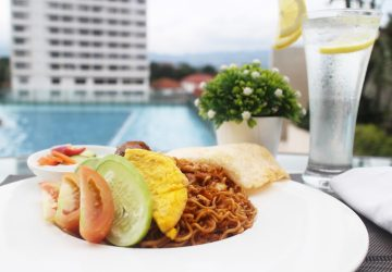 Swim and Dine at Mountain View Poolside Bar