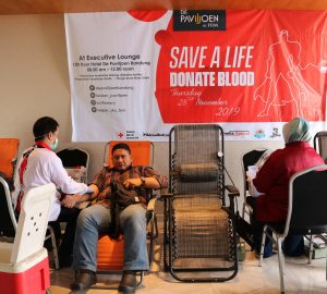 Superb Hotel De Paviljoen Bandung Organizes Blood Donors Event Gmtry Best Dining Table And Chair Ideas Images Gmtryco