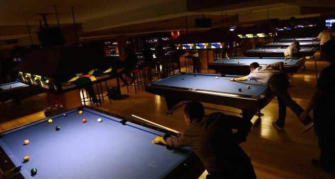 Bars with Pool Tables in Jakarta