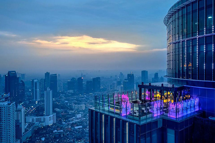 15 Best Rooftop Bars And Sky Lounges In Jakarta What S New Jakarta