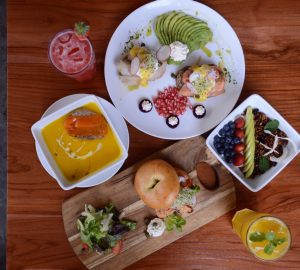 VIBRANT HEALTHY BRUNCH AT POACH'D BRUNCH & COFFEE HOUSE