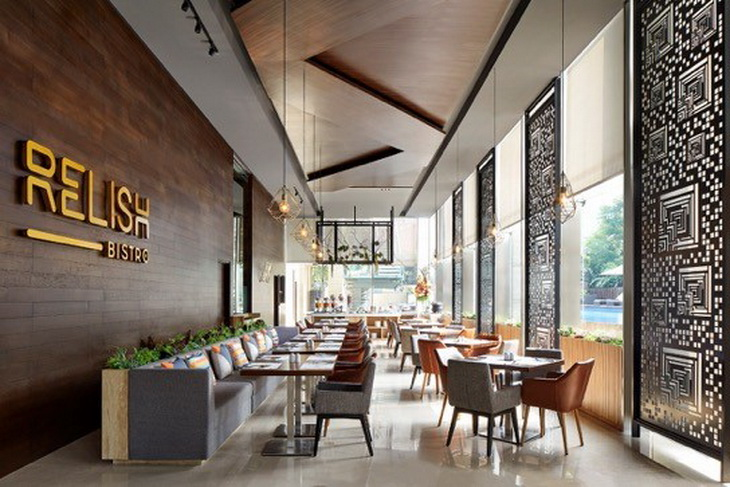 Relish-Bistro-indoor-seating-area