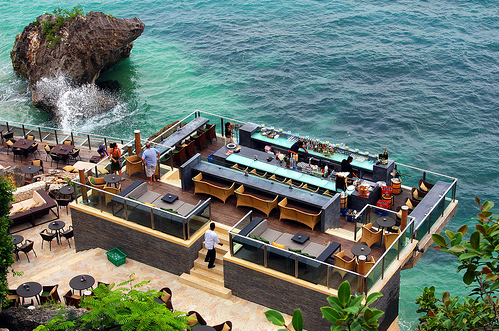 the-rock-bar-sunset-drinks-at-bali