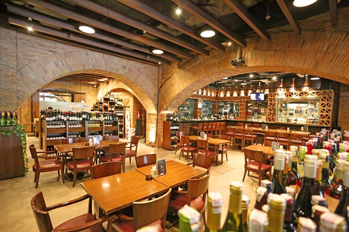 Best Wine, Cigar and Whiskey Bars in Jakarta