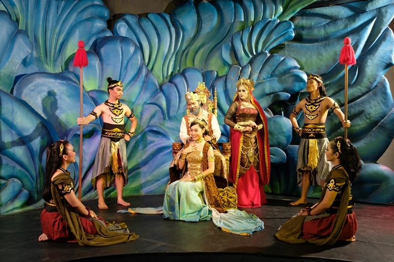 Pearl Of The South Sea Theatre Performance At Jakarta